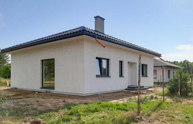 Funkcjonalny nowy dom w spokojnej okolicy w stanie deweloperskim