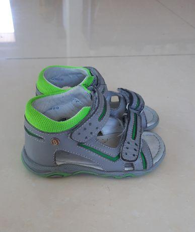 Sandałki dziecięce Bartek 24