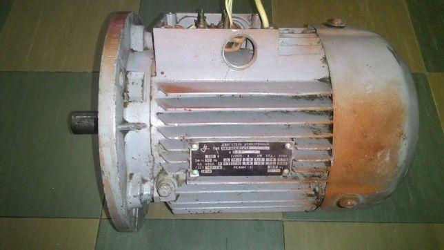 Двухскоростной электродвигатель 1,12/1,5 квт 1410/2730 об/мин. Рабочий