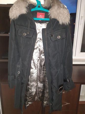 пуховик пальто 164/44 с капюшоном песец натуральный