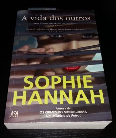 Livro A Vida dos Outros de Sophie Hannah - COMO NOVO