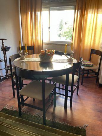 Mesa extensivel e 6 cadeiras