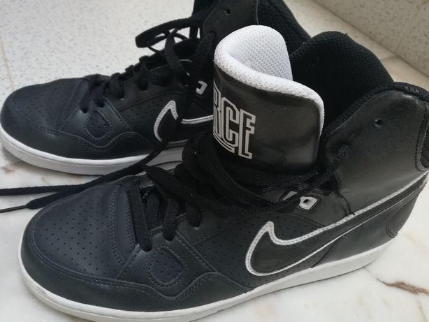 Ténis bota Nike tamanho 41