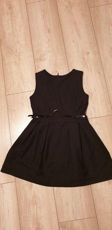 Sukienka czarna w rozmiarze 122