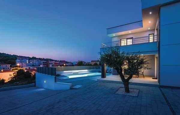 Chorwacja, ładny dom z basenem dla 8 osób, blisko plaży