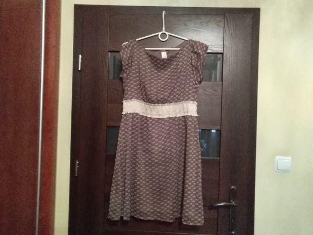 Nowa sukienka w rozm. M. 35 zł.
