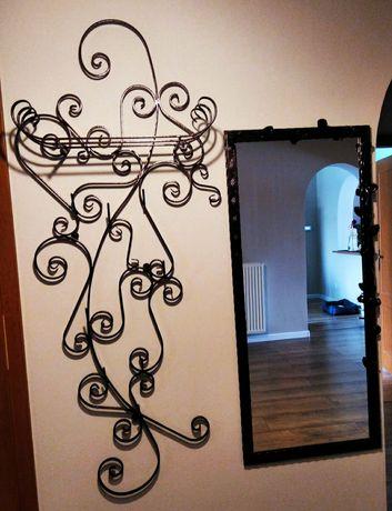 Garderoba , lustro , drewniane metalowe kute .