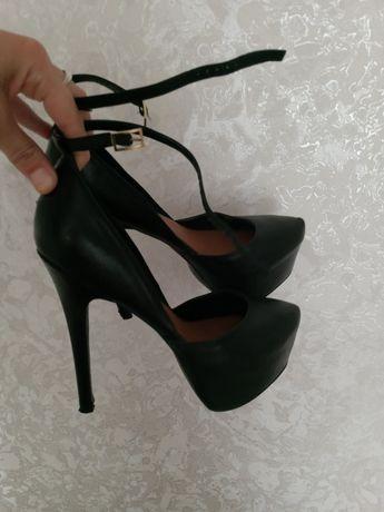 Круті туфлі розмір 39