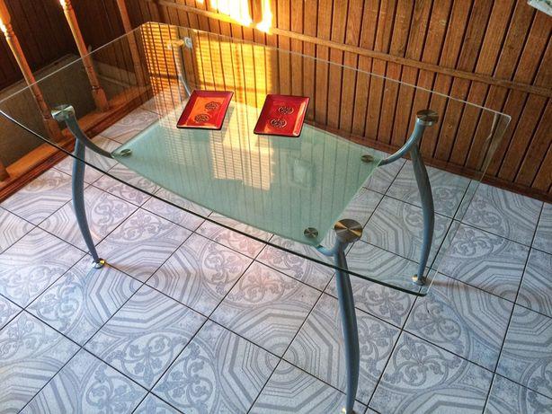 Стильный стеклянный стол обеденный кухонный