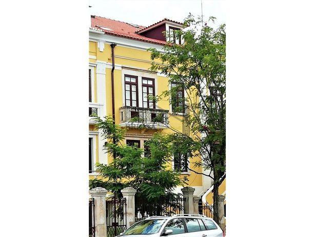 Prédio com 14 apartamentos - Sto António dos Olivais