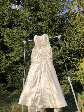 Piękna bajkowa suknia ślubna Ellis Bridals okazja nowa