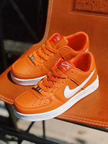 Кроссовки Nike air force orange