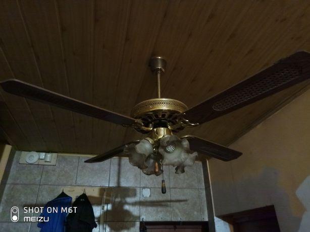 Lampa wisząca z wentylatorem