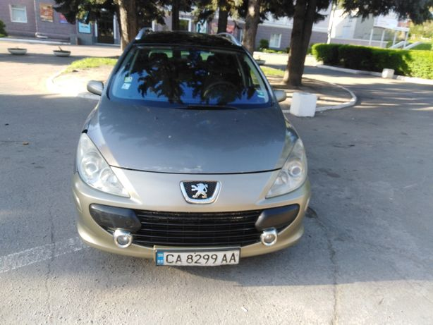 Автомобиль Пэжо 307sw1.6