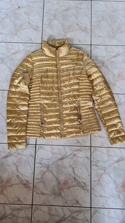 Куртка осень. Цвет золото.