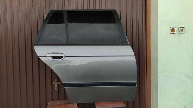 Drzwi tylne prawe STERLINGGRAU BMW E39 kombi