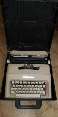 Máquina de escrever Olivetti Lettera 37,