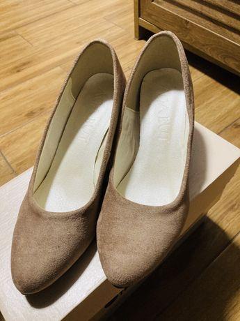 pantofle zamszowe 38