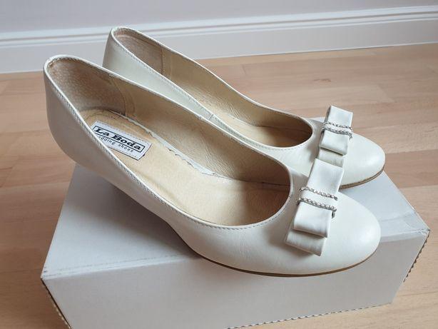 Buty ślubne skórzane r39
