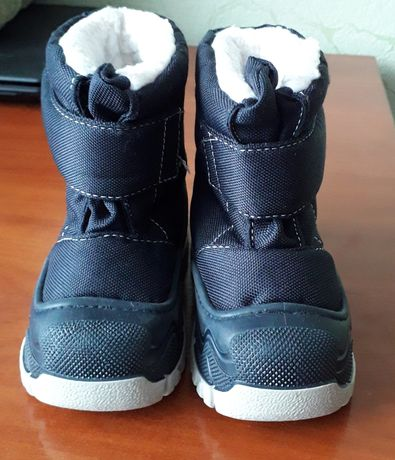 Продаются детские ботинки 22-23роз.
