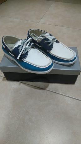 Sapatos nº 32 NOVOS