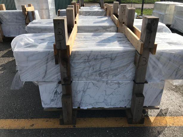 Parapet Parapety Marmurowe Marmur Bianco di Carrara Statuarietto