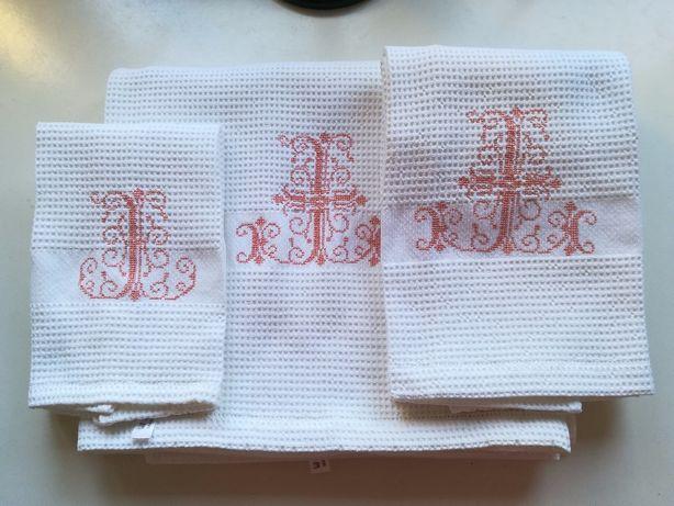 Jogo de toalhas de favos , novas , 100% algodão - São lindas !