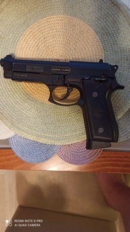 Pistolet Wiatrówka Beretta P92 CyberGun & Swiss Arms GSG 4,5 mm