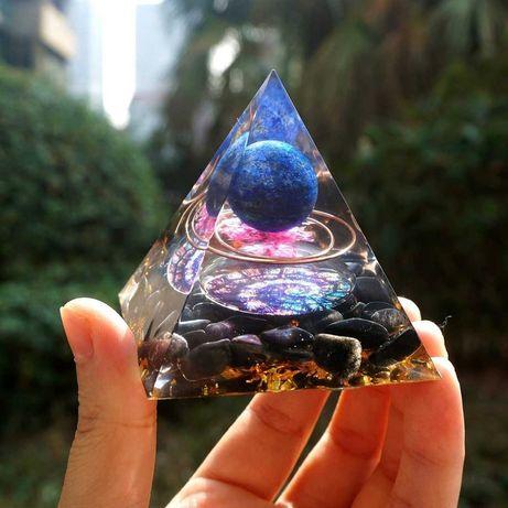 Orgonitowa Piramida Ochrony (Lapis Lazuli & Obsydian)