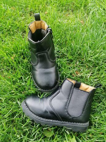 Демісезонні чобітки від H&M