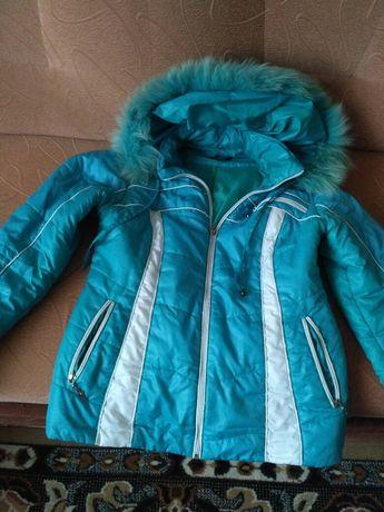 Осіння курточка з капюшоном