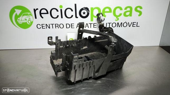 Caixa De Bateria Opel Astra J (P10)