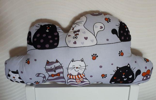 Zabawka Przytulanka chmurka w koty