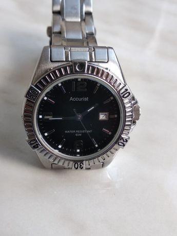 Жіночий годинник фірми Accurist