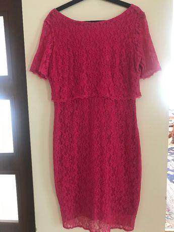 Sukienka koktajlowa z koronki kolor malinowy roz. 40
