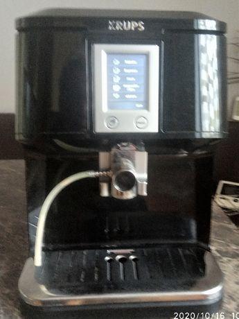 Automatyczny cisnieniowy ekspres do kawy KRUPS EA850B30
