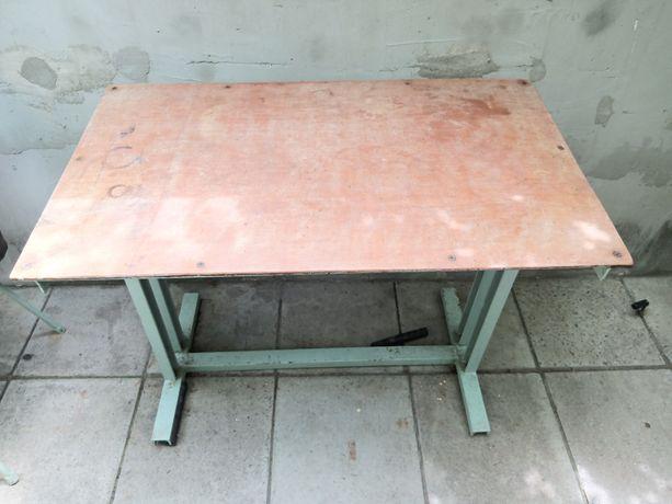 Продам стол метал.