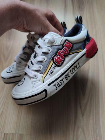 Buty buciki trampki białe Zara rozmiar 28