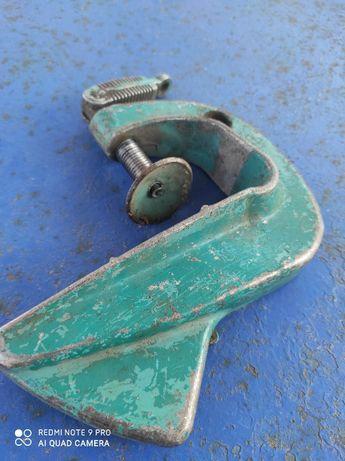 Струбцина алюминиевая для лодочного мотора