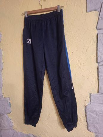 Granatowe spodnie dresowe 158-164