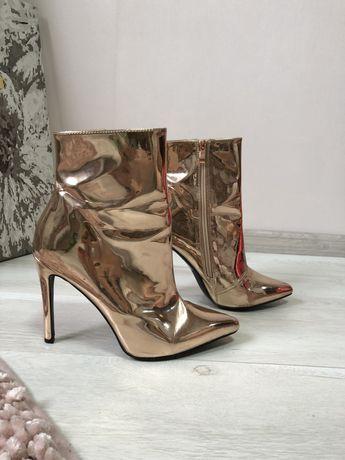 Новые ботильены на каблуке / ботинки