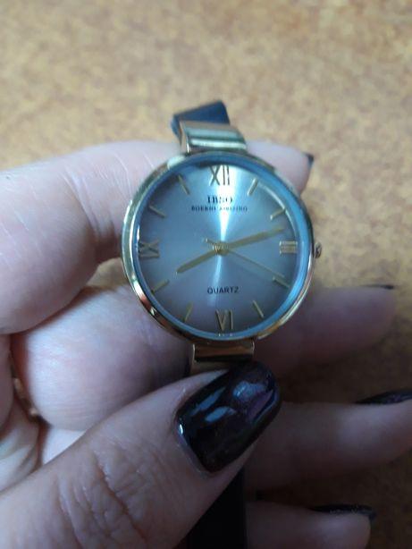 Часы женские ibso s3923l