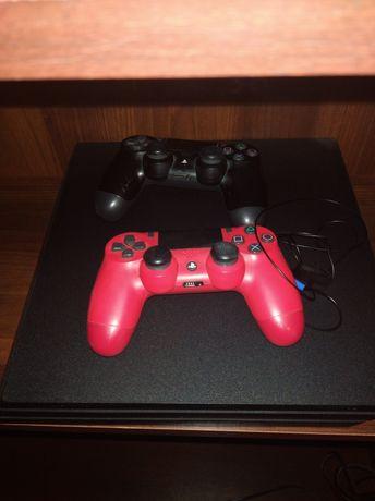 PS4 pro 1t mało używana