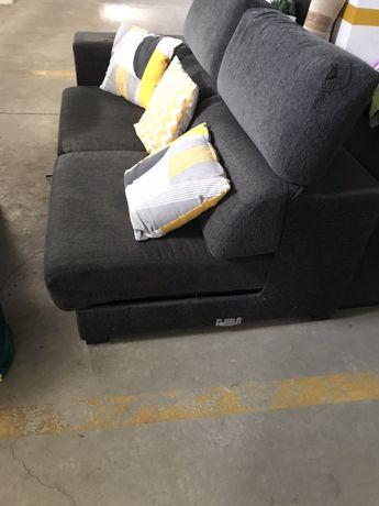 Sofá de Sala Cinzento com Chaise long