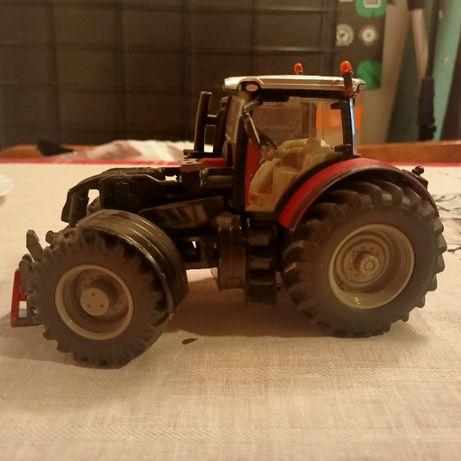 Traktor Siku skala 1\32