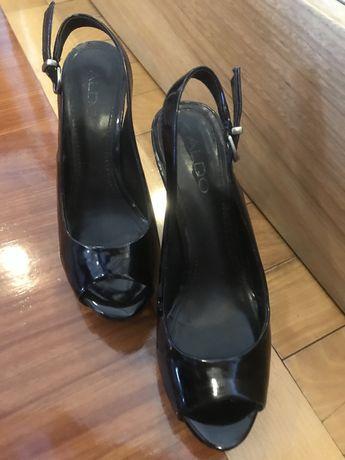 Sapatos Peep Toe - Marca ALDO - Tam. 37