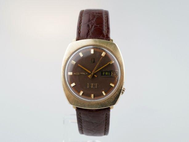 Мужские бу часы Bulova Accutron 33 мм