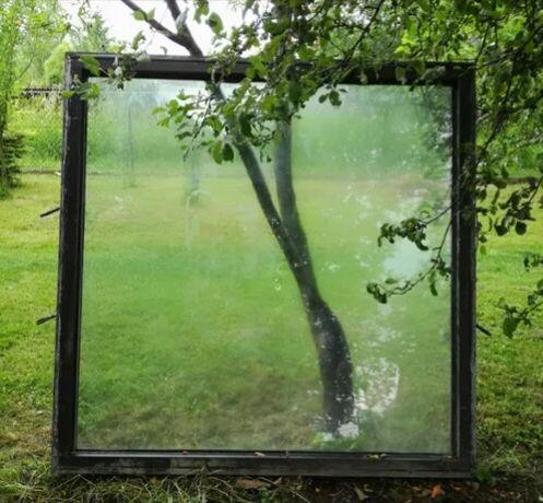 Okno aluminum z szybą  o wymiarach 150*150