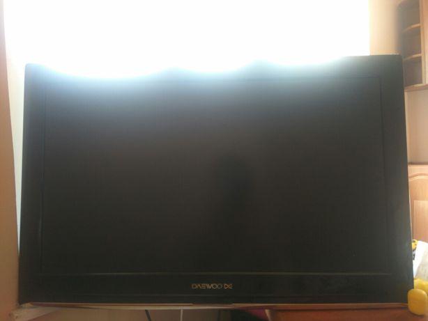 TV 32cale LCD z Podstawka dekoderem DVBT