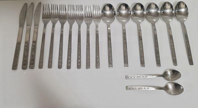 Noże Gerlach Wzór konwalie 18 sztuk  sztućce nierdzewne  z Okresu PRL